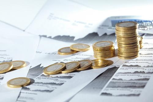 Se refleja que se puede llevar a cabo la deducción por inversión de empresas creadas mediante crowfounding